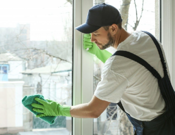 Benefits of hiring professional glass cleaning services